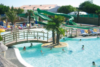 Camping Le Curtys : Piscine